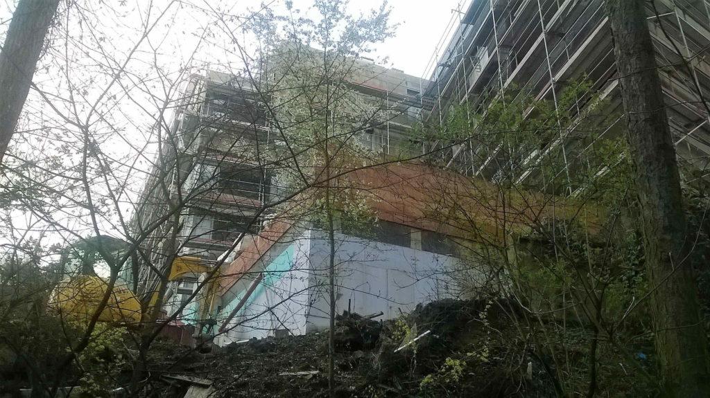 Do výšky čnící prý podzemní stavba