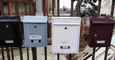 Ukrajinské schránky na domě ve výstavbě